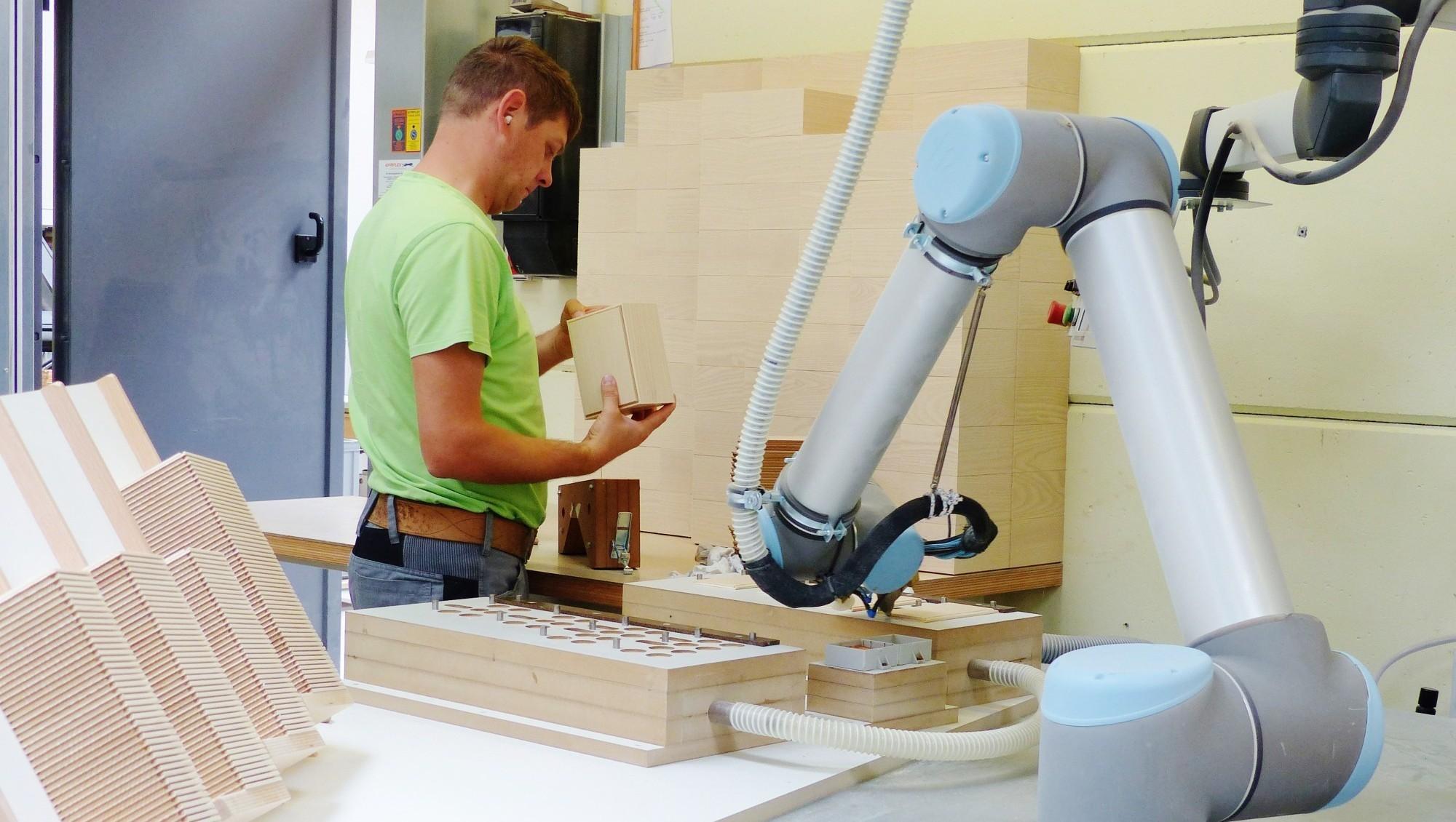 Moderne Fertigung Holz Kästen auf Gehrung